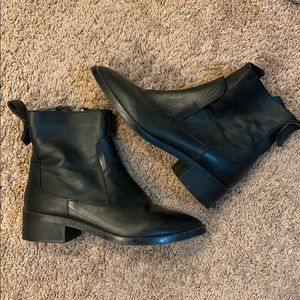 Zara Black Leather Ankle Bootie
